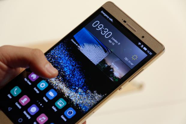 Huawei P8 Max On-Hand